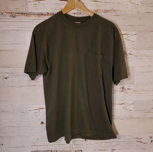 Old Navy dark green t-shirt